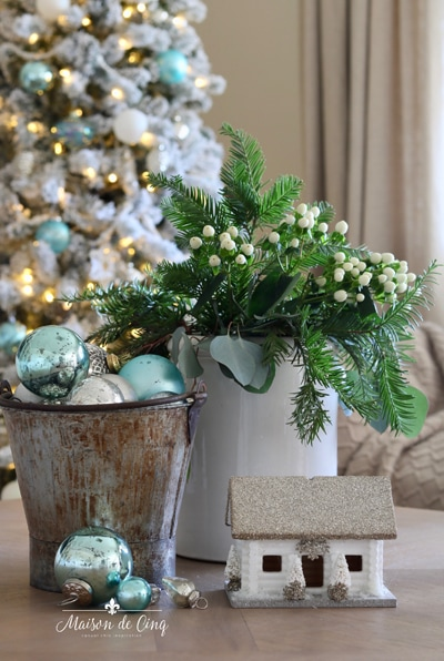Maison de Cinq French farmhouse holiday decor