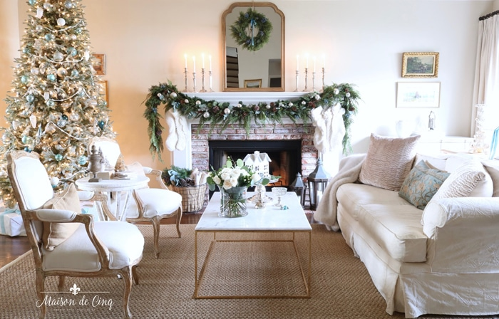 French Country Fridays – Christmas Tours & Tablescapes