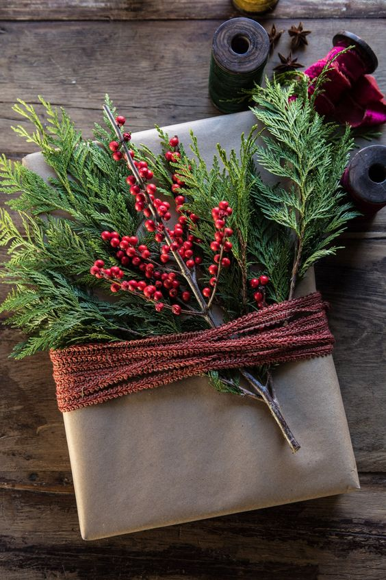 holiday gift wrapping ideas craft paper and greens