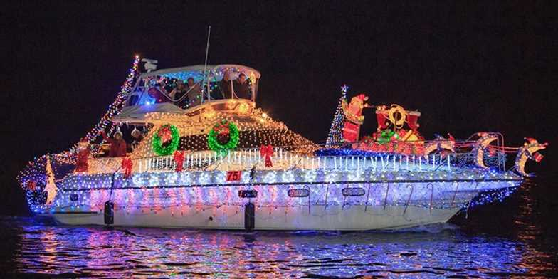 newport beach holiday boat parade