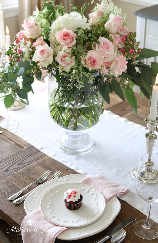 stunning pink roses white linen runner Valentine's day table decor ideas