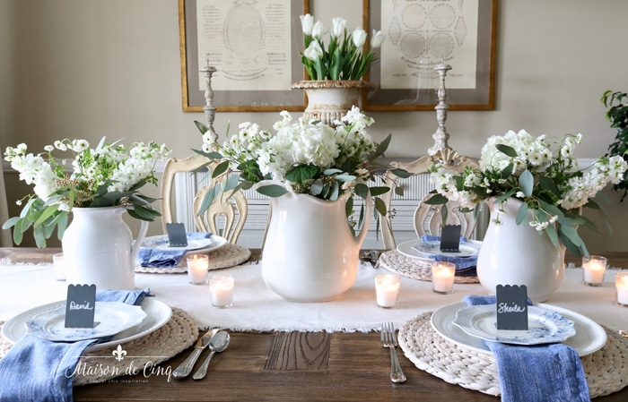beautiful blue and white spring table setting tablescape ideas