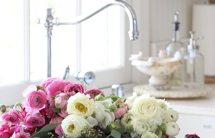 Simply Home Series: Five Tips for Decorating with Flowers on a Budget