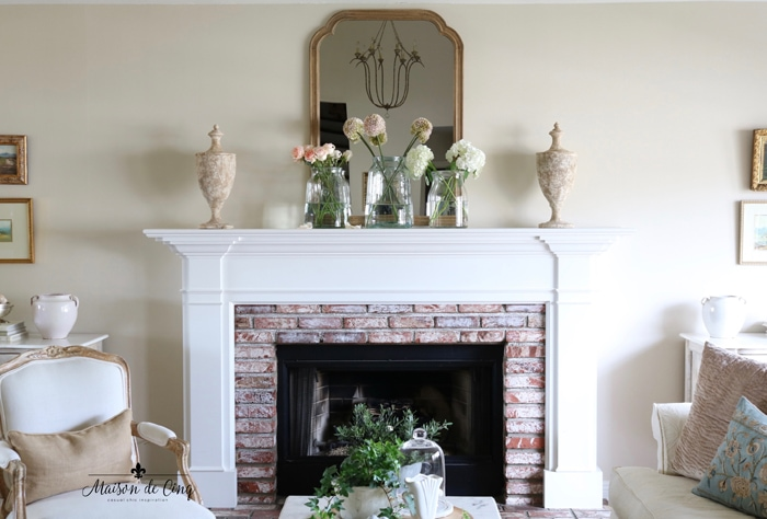 gorgeous French country living room easy spring decorating ideas pretty spring flowers