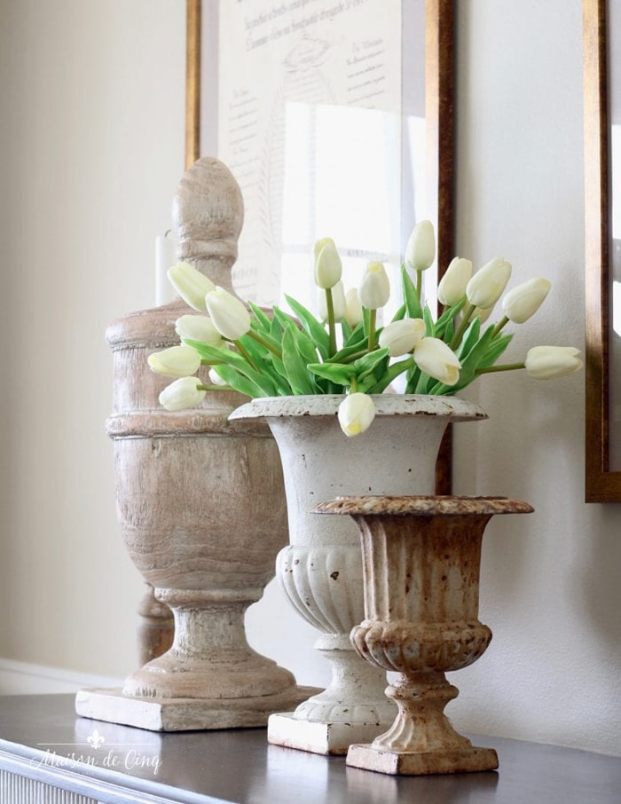 antique French urns and how to find them French farmhouse decor vignette