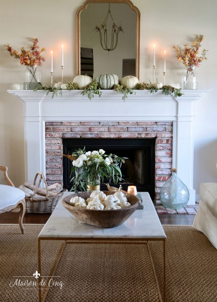 gorgeous fall living room decor in French country style