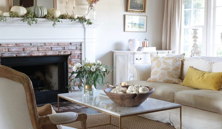 Fall Living Room Decor: Soft & Warm Autumn Colors