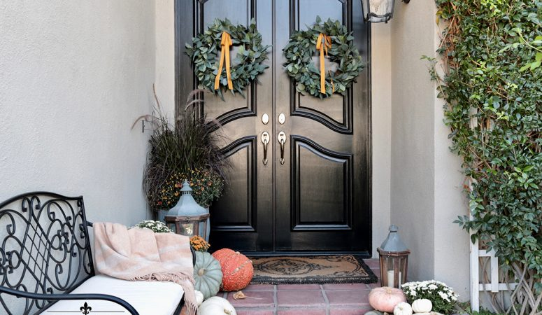 Traditional Fall Porch: Autumn Outdoor Decorating Ideas