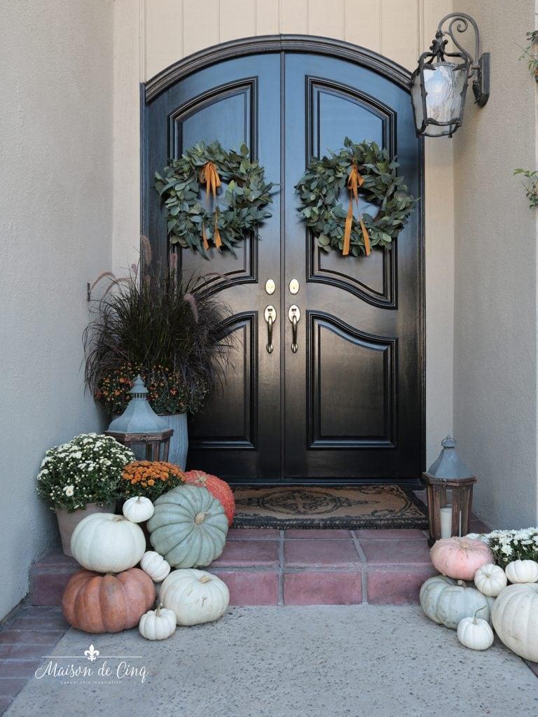 gorgeous front porch decor fall autumn decorating ideas