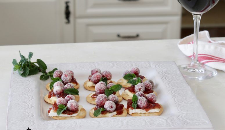 Sparkling Cranberry & Brie Bites: Easy Holiday Appetizer