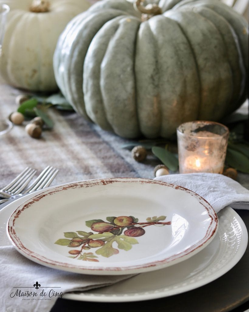 decorative salad plate green and white pumpkins and acorns fall table ideas