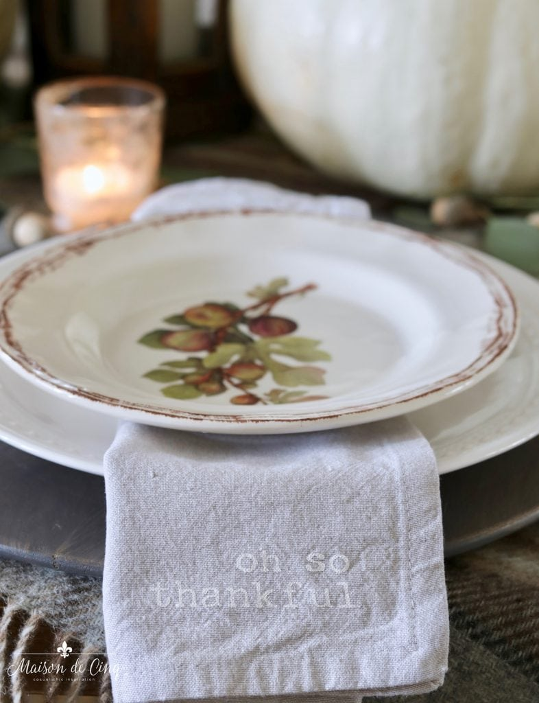 plate close up thankful napkin pretty fall Thanksgiving tablescape