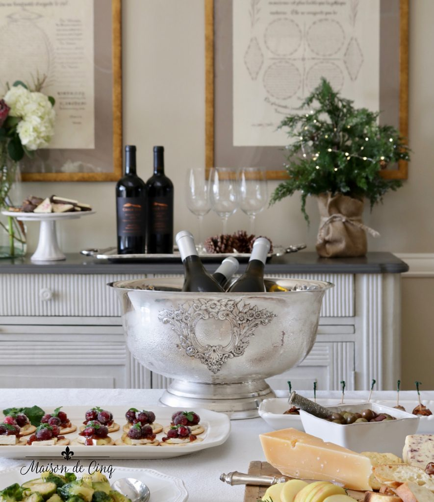 gorgeous holiday table easy wine and appetizer party