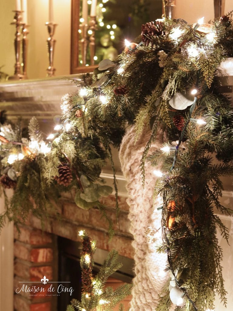 garland with twinkle lights holiday decorating ideas