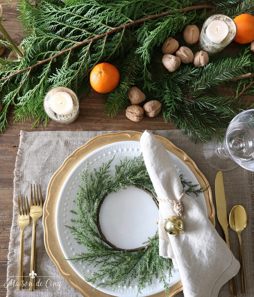 cozy holiday tablescape gorgeous Christmas table ideas oranges walnuts european style