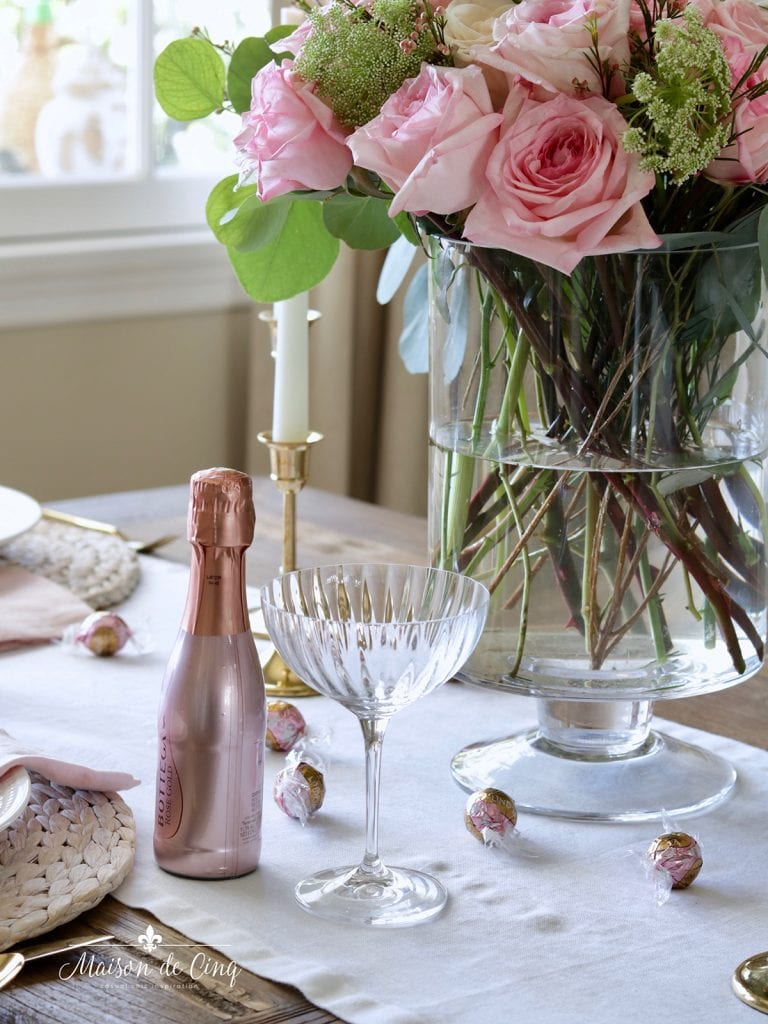 gorgeous pink flowers Valentine's day tablescape ideas