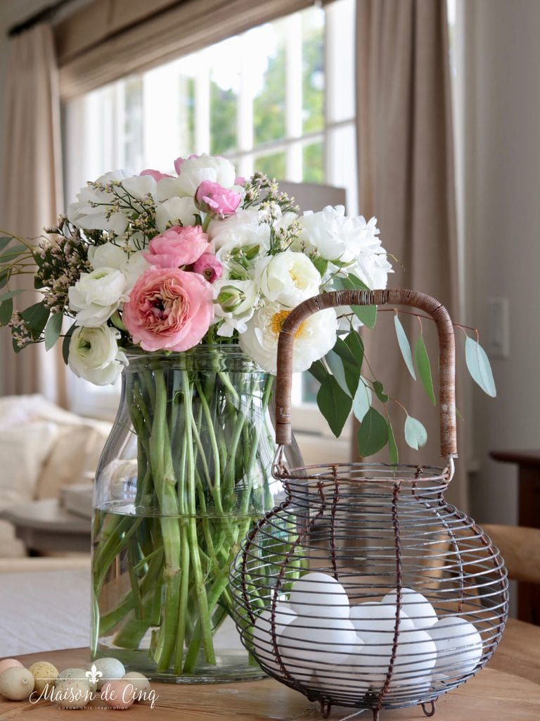 gorgeous spring flowers with eggs decorating ideas easter