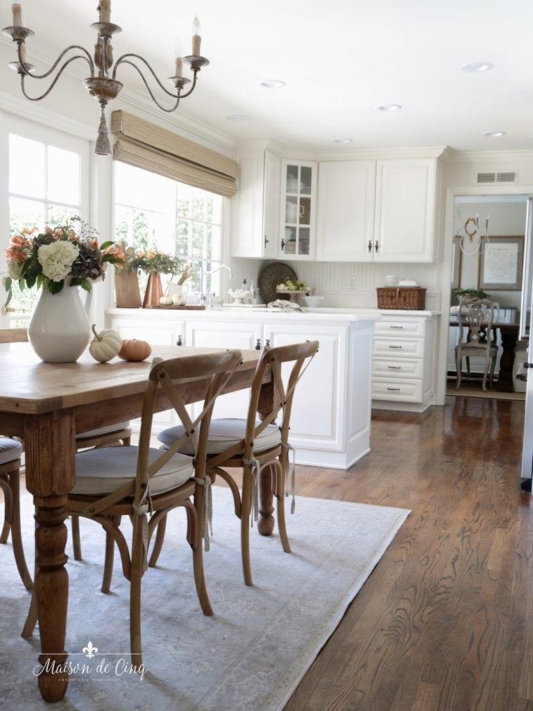 fall kitchen decorating ideas in white farmhouse kitchen