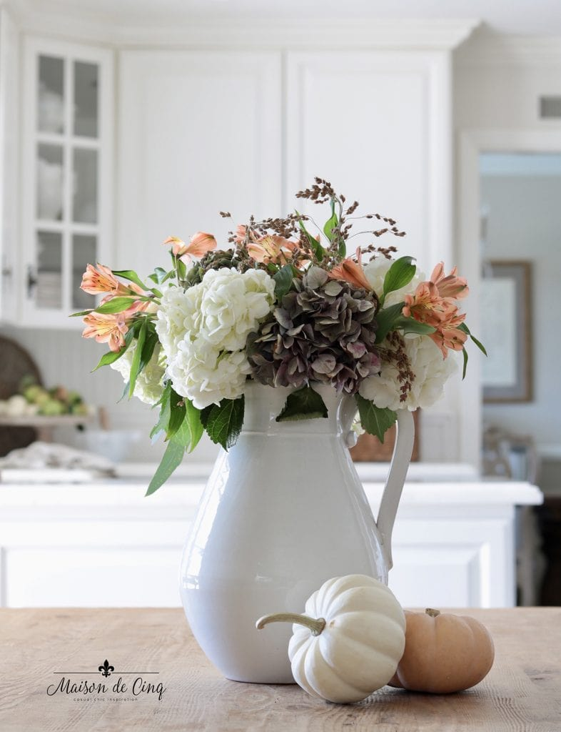 fall flowers with baby pumpkins gorgeous fall kitchen decorating ideas