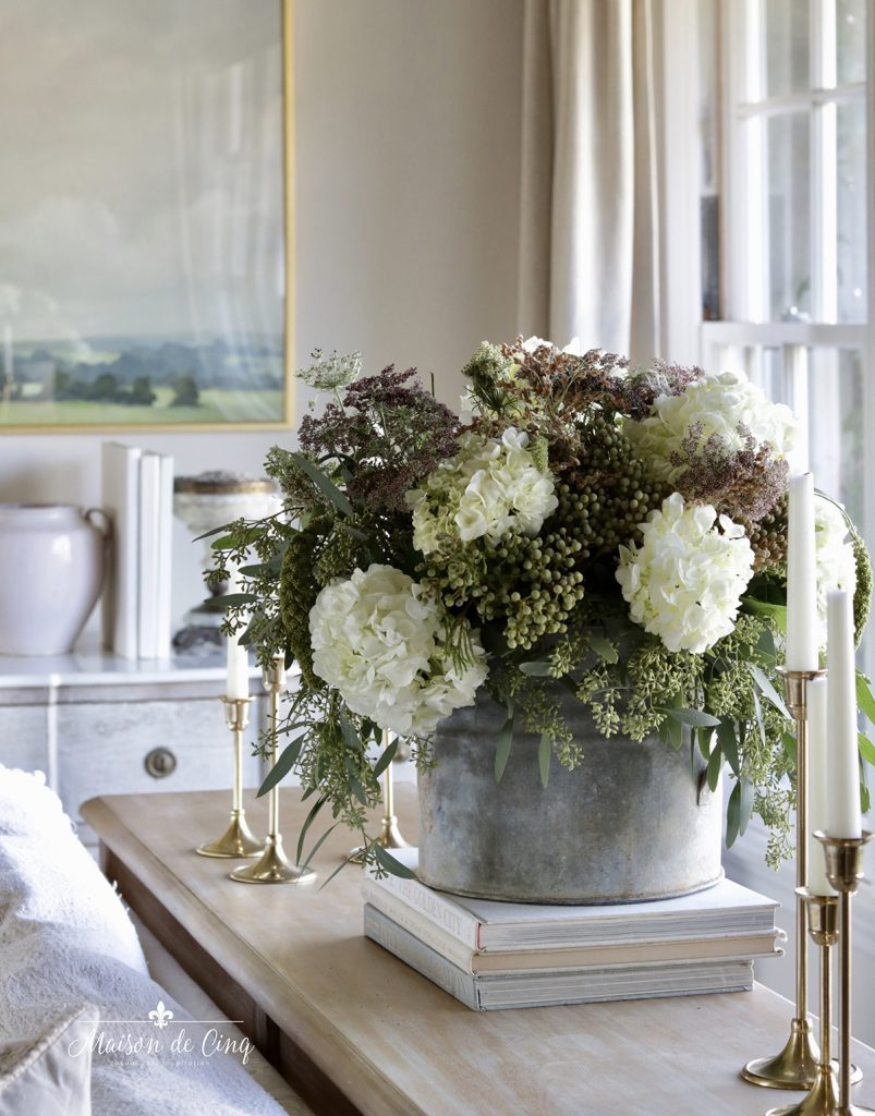 gorgeous fall florals with brass candleholders simple fall decorating