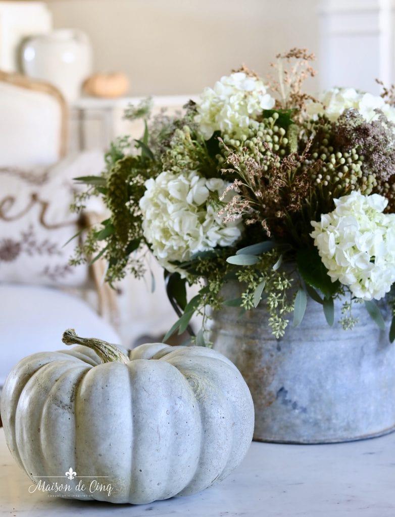 gorgeous fall florals with Jarrahdale pumpkin coffee table fall decor