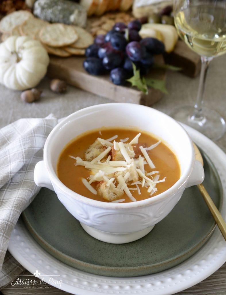 fall harvest dinner winter squash soup